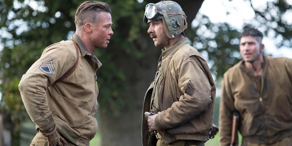 Brad Pitt (Wardaddy) og Shia LaBeouf samtaler. Foto: United International Pictures