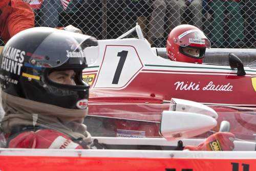 James Hunt (Chris Hemsworth) og Niki Lauda (Daniel Bruhl) i «Rush». Foto: Nordisk filmdistribusjon.
